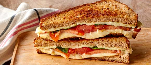 Grilled Cheese with Spinach and Pepper Jack