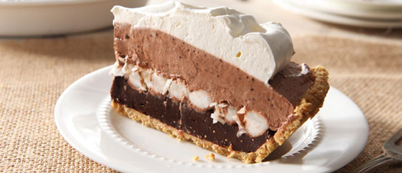 Layered Marshmallow & Chocolate Pudding Pie