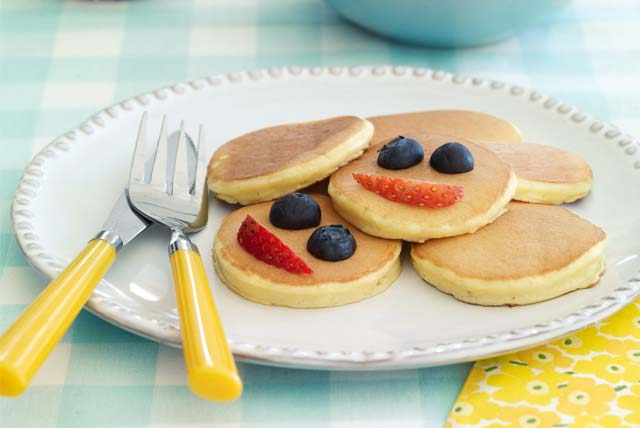 Kids Can Cook: Silver Dollar Sour Cream Pancakes