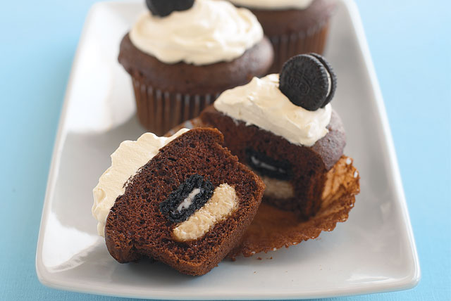 Kids Can Cook: Mini Oreo Surprise Cupcakes
